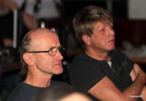 Divák Lumír Slabý*) a člen XXLive Petr Vaněk jako divák, foto Jirka Paparaci Šámal